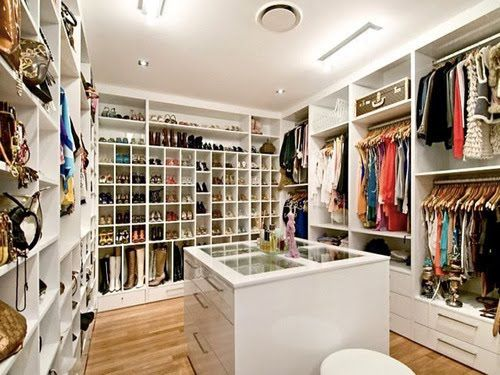 Bedroom Closet Storage System - Dubuque, Iowa - Mx Closets